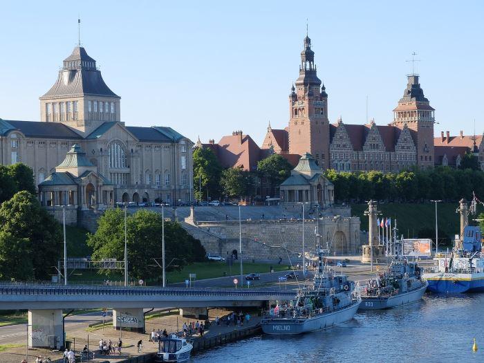 Policja Szczecin: Seniorze nie daj się oszukać - oszuści znowu dzwonią!