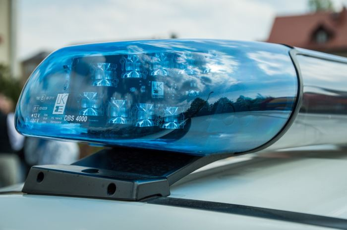 Policja Szczecin: Szczeciński policjant udzielił seniorce pomocy przedmedycznej