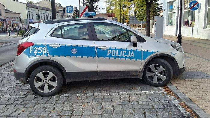 Policja Szczecin: Policyjny pies odnalazł niedoszłego samobójcę
