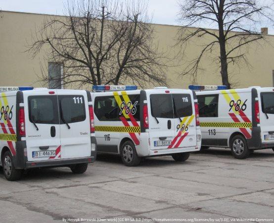 SM Szczecin: Strażnicy miejscy kontrolują autobusy i tramwaje. Mandaty za niezasłonięte usta i nosy